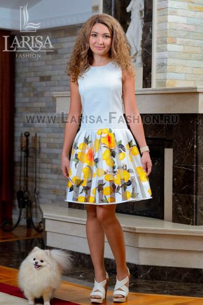 Молодежное платье Лепесток с заниженной талией